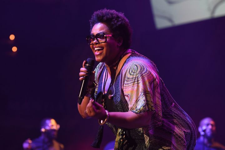 Traditional R&B Performance: Jill Scott (Can't Wait)