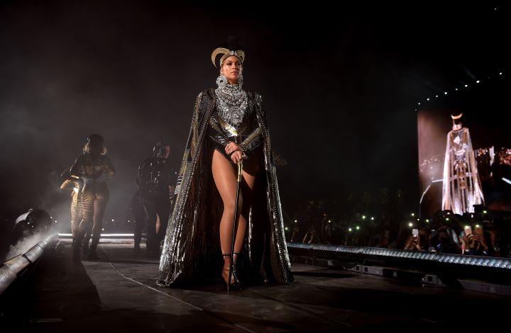 Beyoncé Wins Outstanding Female Artist
