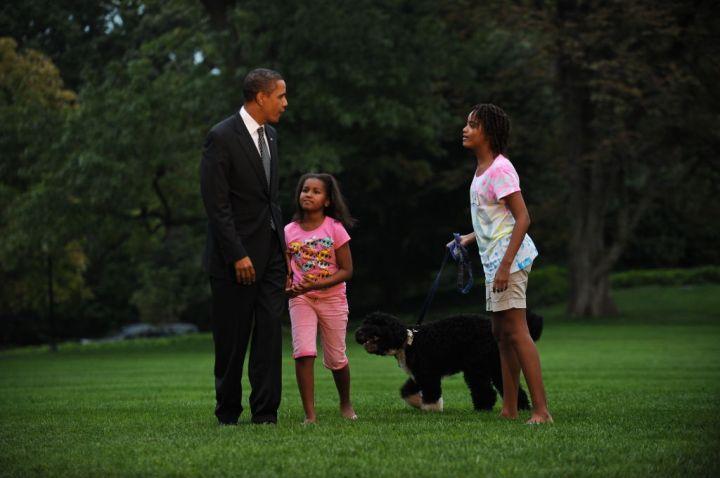 Barack, Sasha & Malia Obama