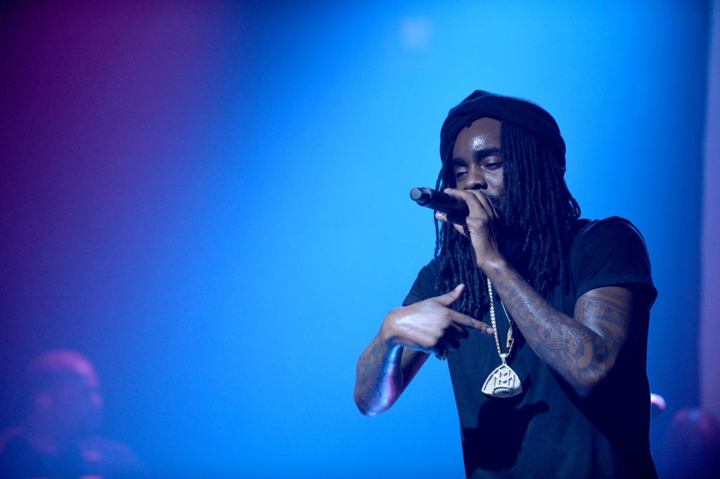 Wale performing at the 'SIMPLE Mobile Simply Nothing Tour'