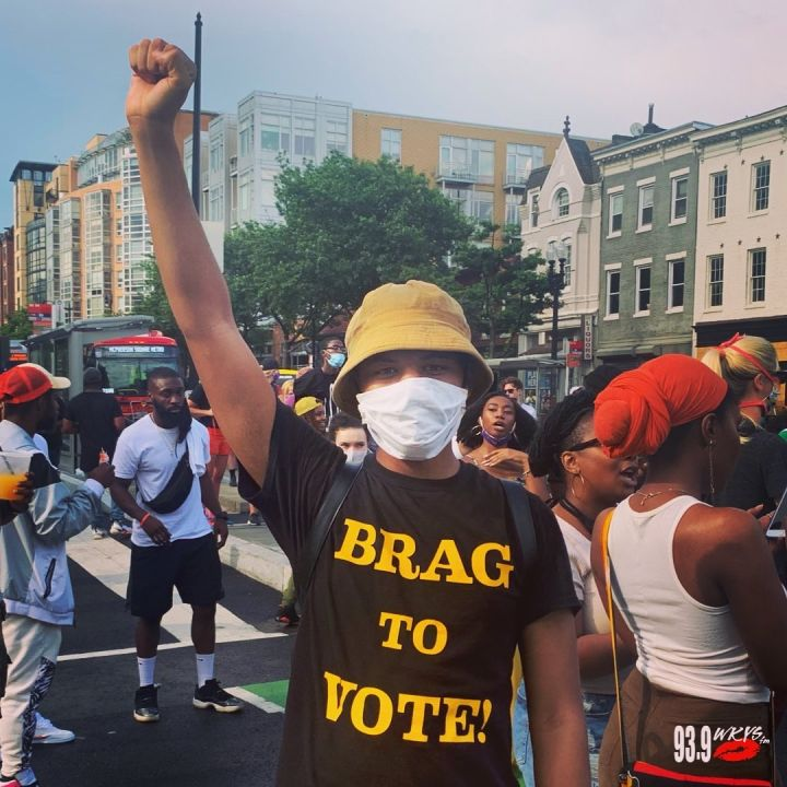 """Brag To Vote"" T-Shirt"