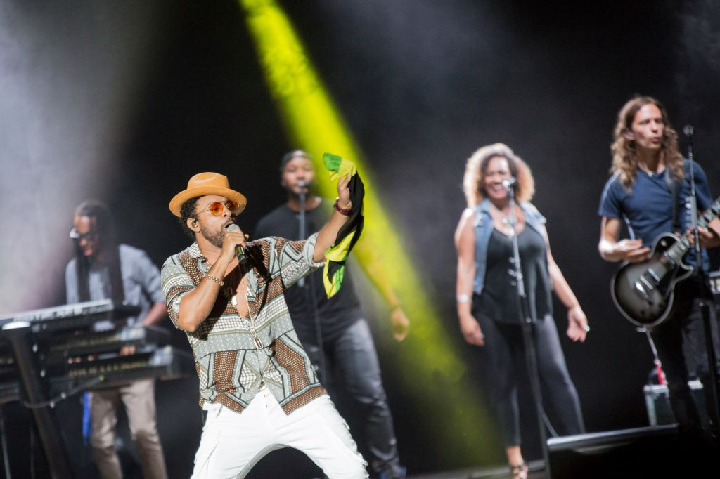 Sting and Shaggy performing live in concert